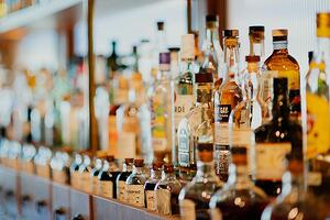 Sales for alcoholic drinks in glass bottles are increasing